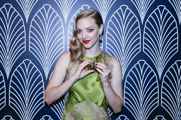 Amanda Seyfried Photos Photos - Actress Amanda Seyfried attends the promotional event for Shiseido's Cle de Peau Beaute at Fairmont Peace Hotel on June 16, 2016 in Shanghai, China. - Amanda Seyfried Promotes Cle de Peau Beaute In Shanghai