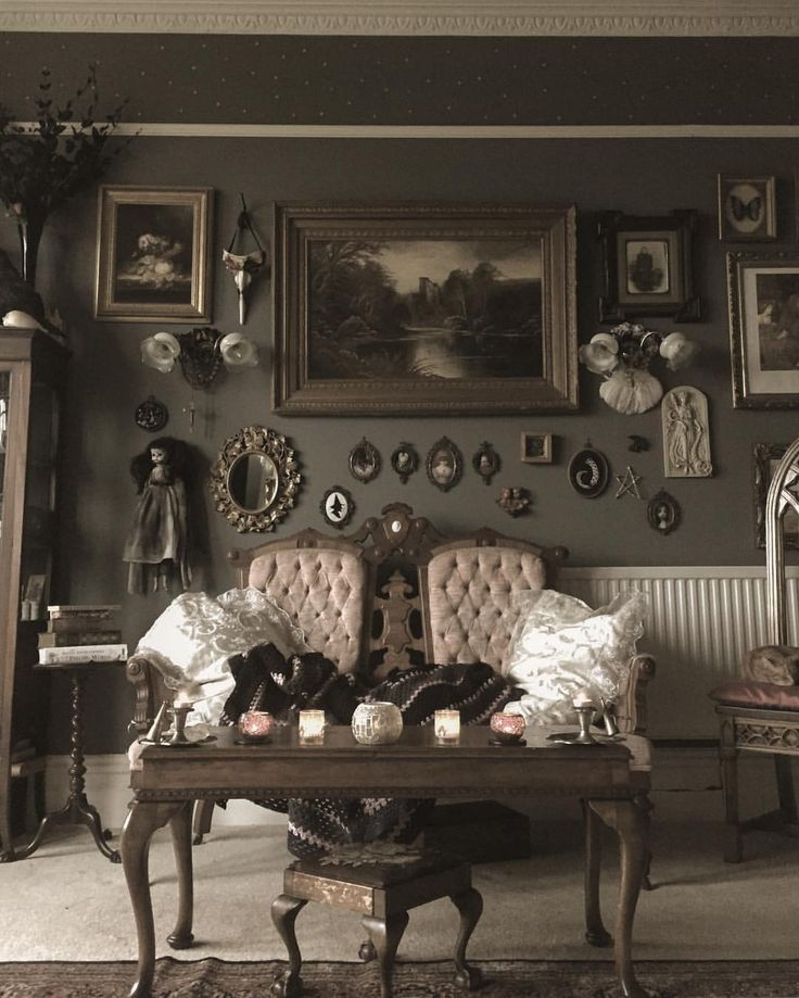 Elegant Victorian Gothic Decorating Ideas