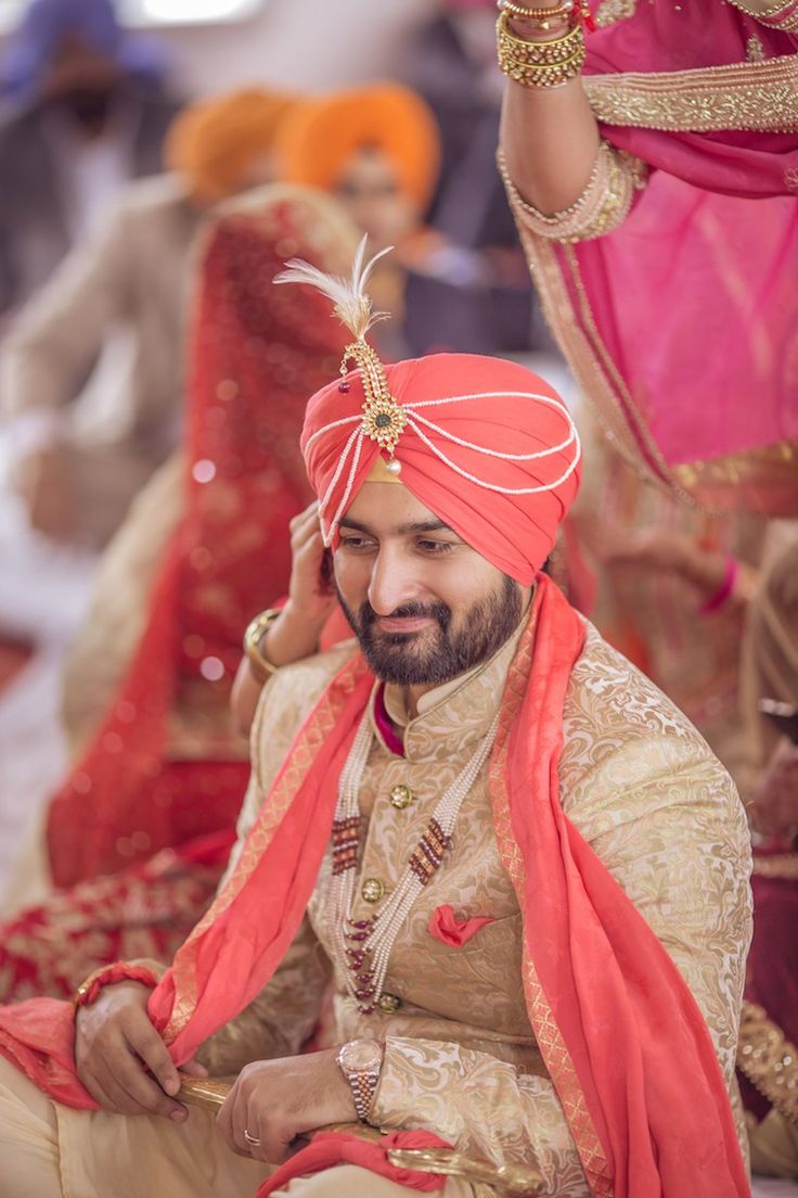 Gold Groom Sherwani | Amreen + Jaijeet | Indian Wedding Blog | Think Shaadi