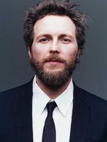 Jovanotti. Currently, he is my favorite (and sexiest) italian singer.
