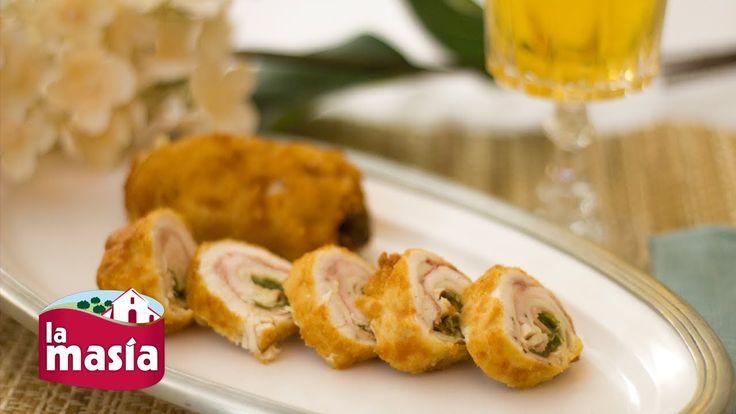 Rollitos de pollo rellenos de jamón, queso y pimientos
