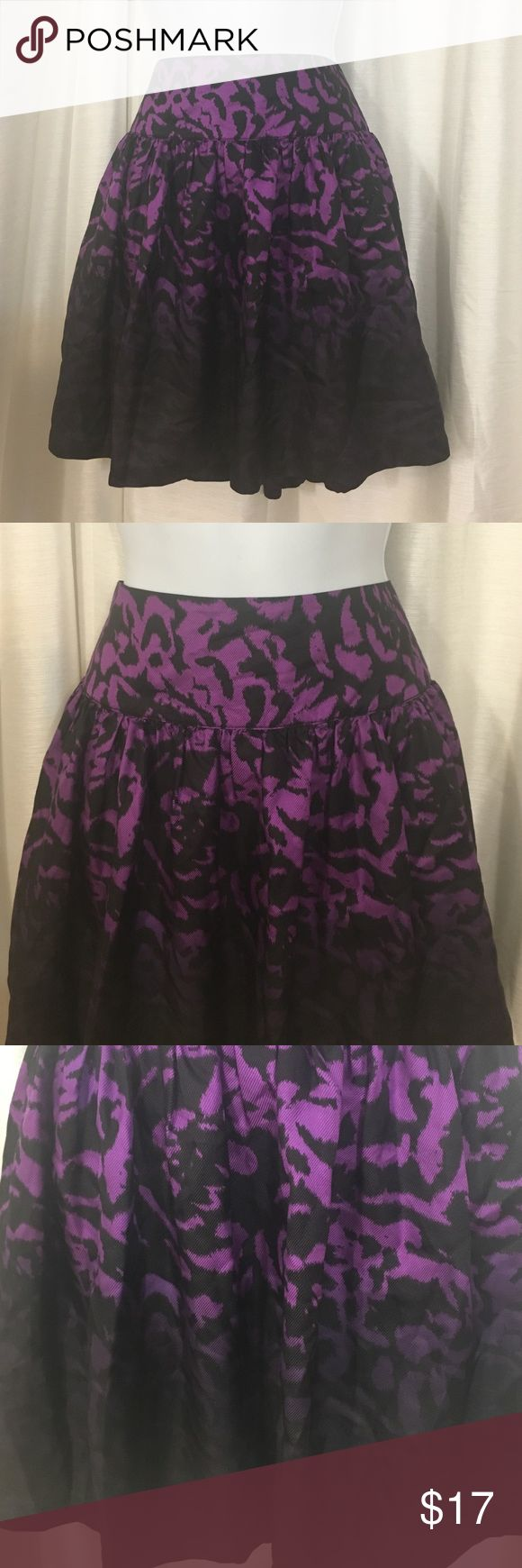 Purple Print Bubble skirt Pleated Sz 6 Kensie Purple and Black print Pleated Skirt. Zipper in left size. Sz 6 Kensie Skirts