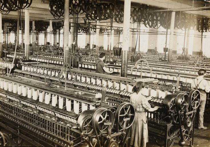 1) de industriële revolutie die in de westerse wereld de basis legde voor een industriële samenleving
