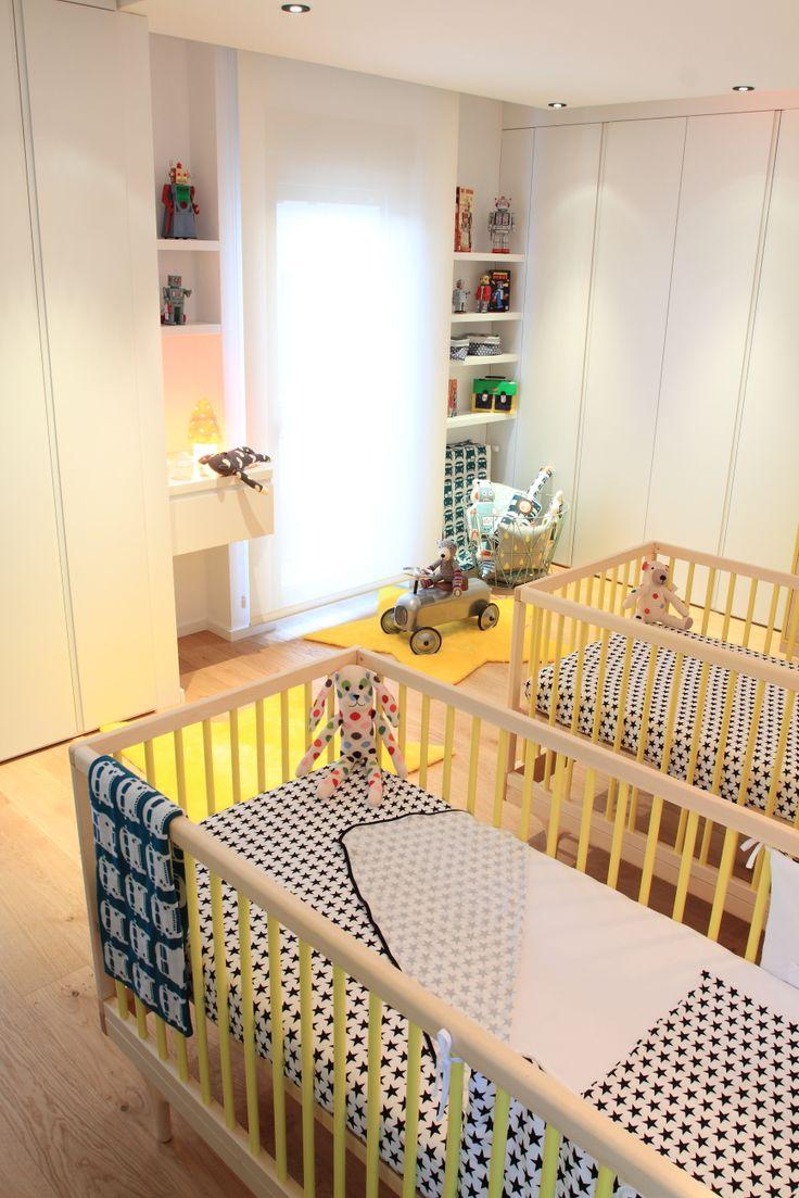 habitación de bebé realizada por cyckids.com con mobiliario de kalon studios, ropa de cama de fundas Barcelona, manta de ferm living