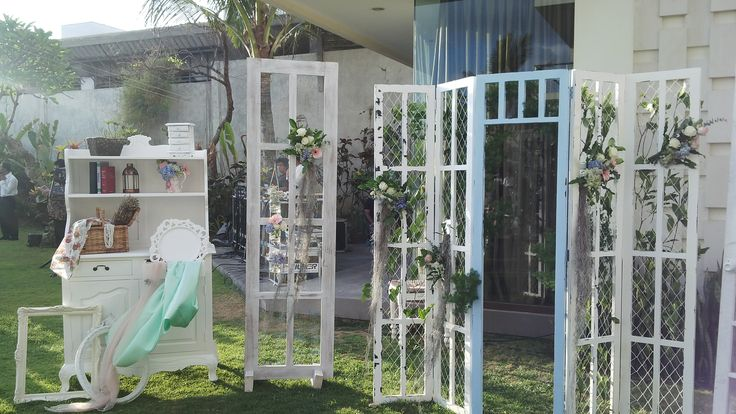 Photo booth,vintage door,Chic Rustic,Phalosa  www.nouadecor.com