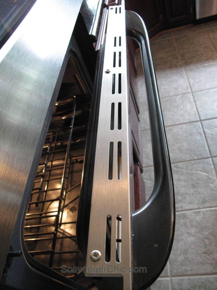 how to clean between glass on oven door