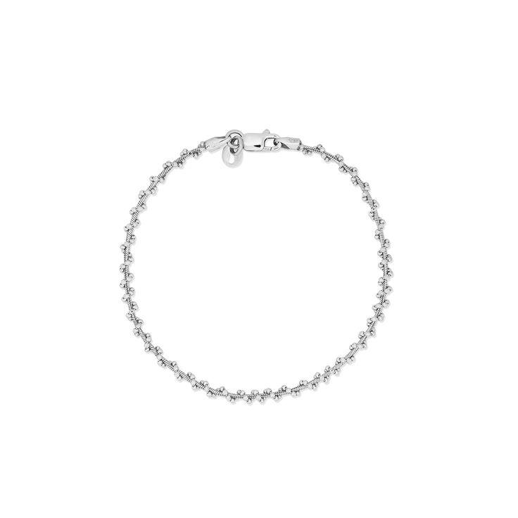 Srebrna bransoletka o ciekawym wzorze. Biżuteria, która rozświetli każdą, nawet najprostszą stylizację i nada jej charakteru. Bransoletka wykonana ze srebra 925, może stanowić komplet z innymi wzorami biżuterii srebrnej od W.KRUK.