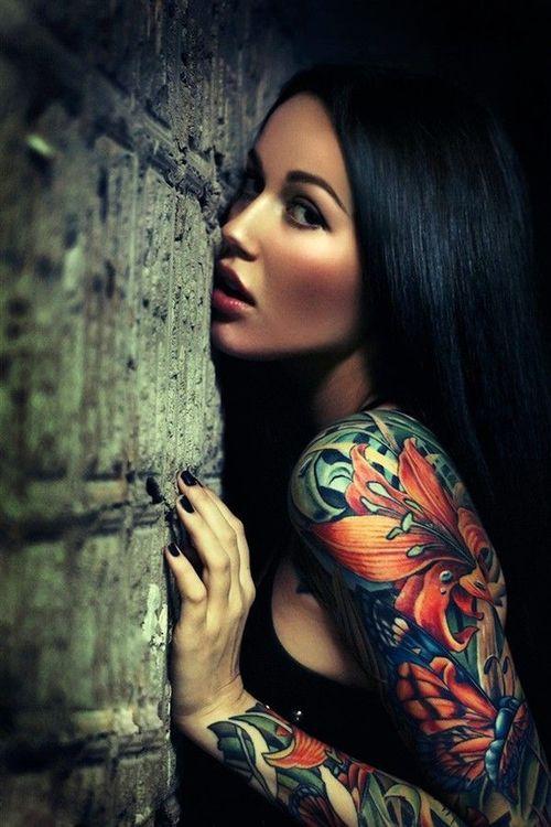 Tatuaże, kobieta, kolorowy, kwiaty, motyl
