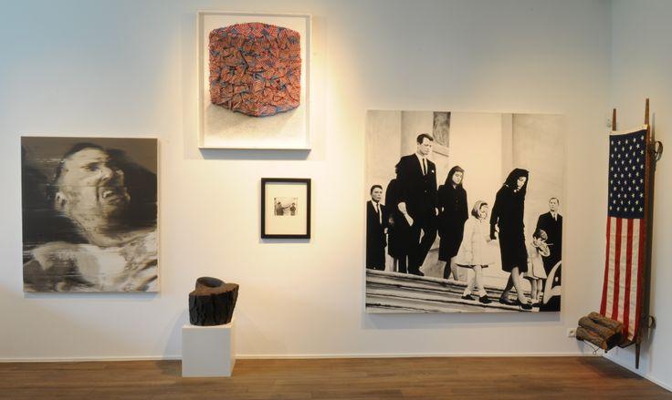 """Maison particulière Art Center  Rue du Châtelain, 49  B - 1050 Bruxelles  www.maisonparticulier.be  c. exposition """"Rouge"""" automne 2012"""