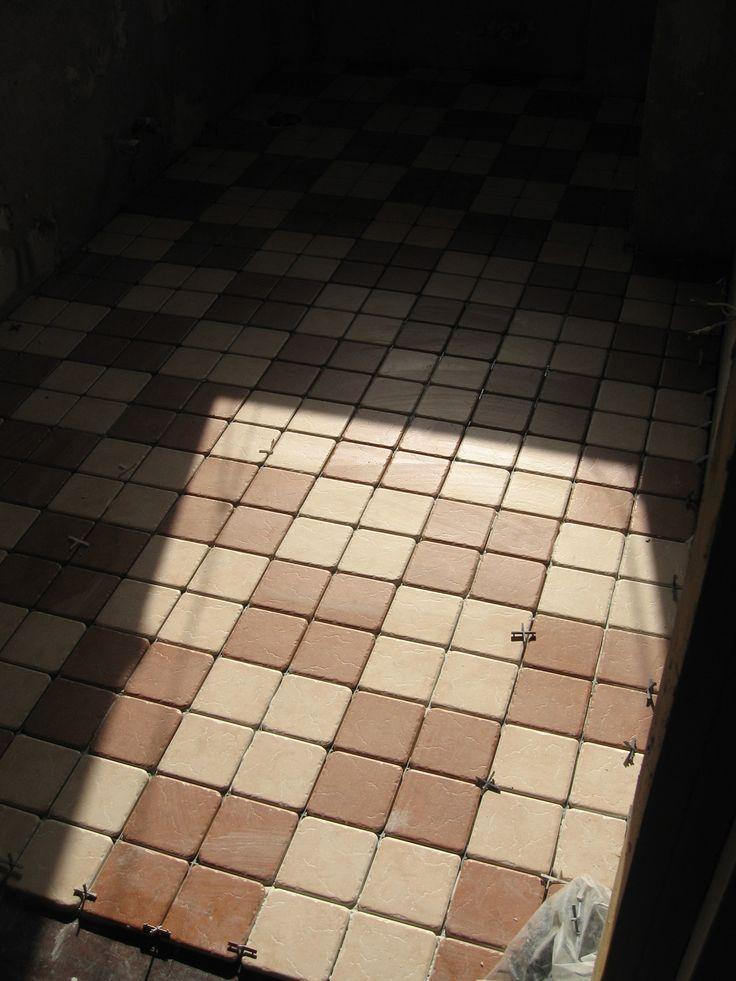 Ristrutturazione appartamento Fontane (TV) Particolare posa pavimento bagno