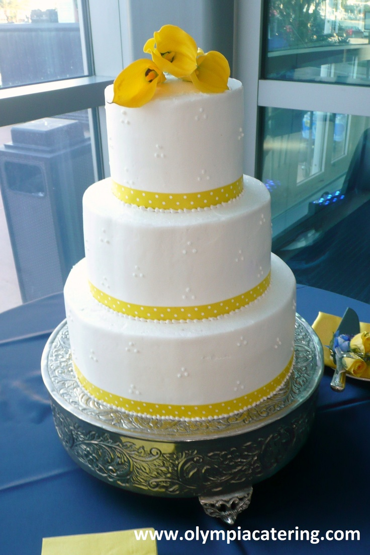 Round Wedding Cakes With Dots