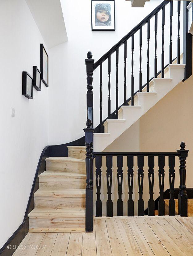 Les 17 meilleures id es de la cat gorie cage d 39 escalier for Photo escalier peint en noir