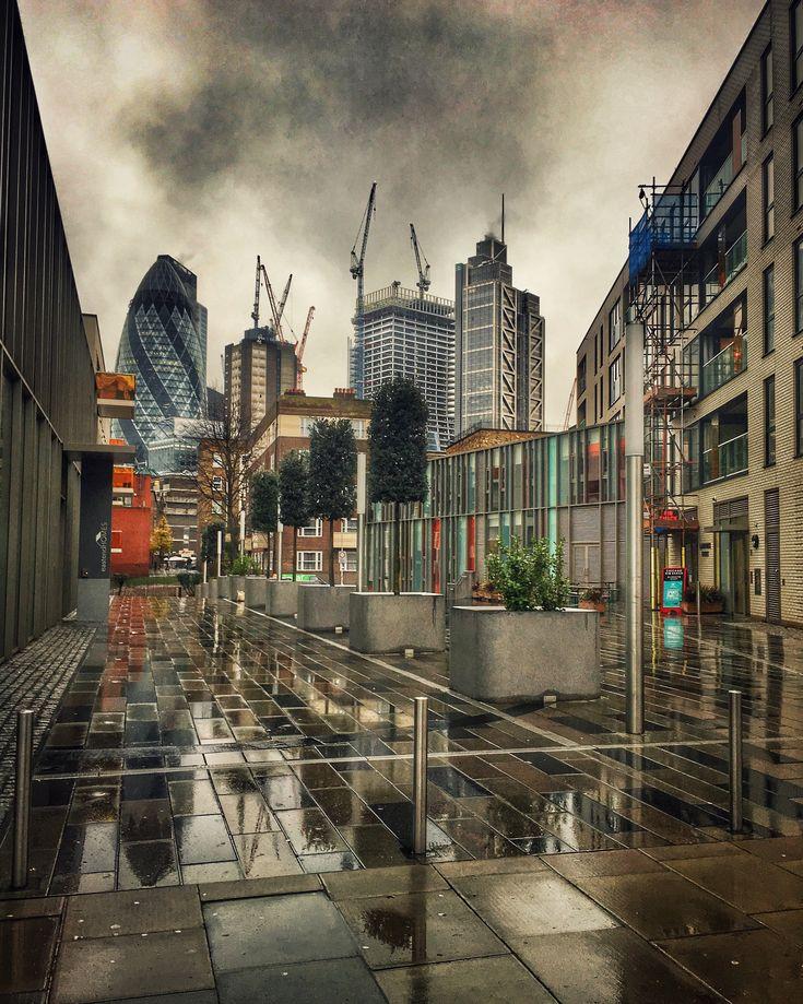 Spiegelkabinett. #cities #london #weather #architecture #photography  #graber