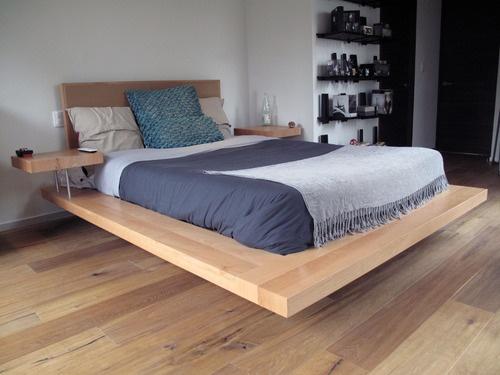 cama baja en haya de diseo asimtrico y mesas de noche integradas a la base dormitorio pinterest