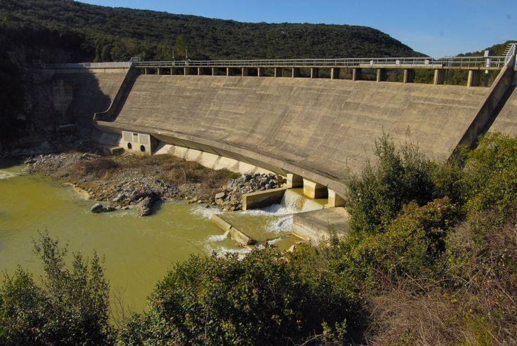 Barrages écrêteurs de crues dans le Gard sur le Crieulon à la Rouvière