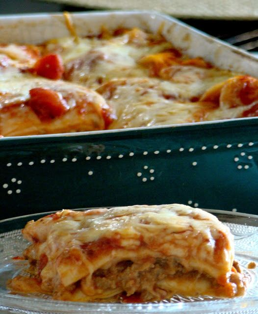 Stella's Κουζινομπερδέματα: Τορτίγιες με Κιμά και Μοτσαρέλα στο Φούρνο