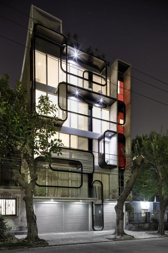 Arquitectura en Movimiento have designed the LVII residential building in Mexico City.