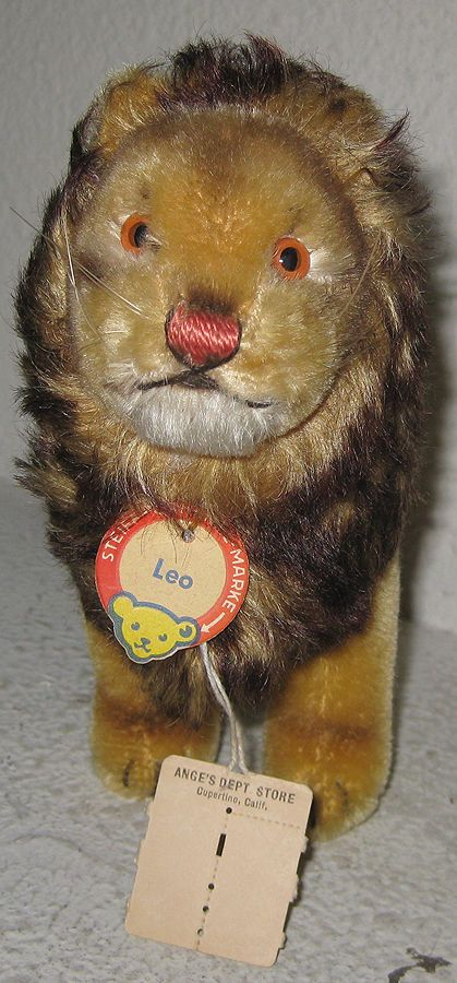 Vintage Steiff Lion - LEO - Mint with Tag & Store Tag (i have this one ! ! cc)