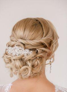 cool Coiffure de mariage 2017 - nice Coiffure de mariage 2017 - idée de coiffure mariage - chignon bouclé déc...