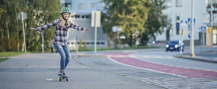 15–24-vuotiaat nuoret ovat yliedustettuina liikenneonnettomuuksissa. Nuoria on väestöstä vain noin 12 prosenttia, mutta joka kolmas tieliikenteessä vahingoittunut on nuori. Nuorten liikenneonnettomuudet liittyvät usein vapaa-ajan liikkumiseen.