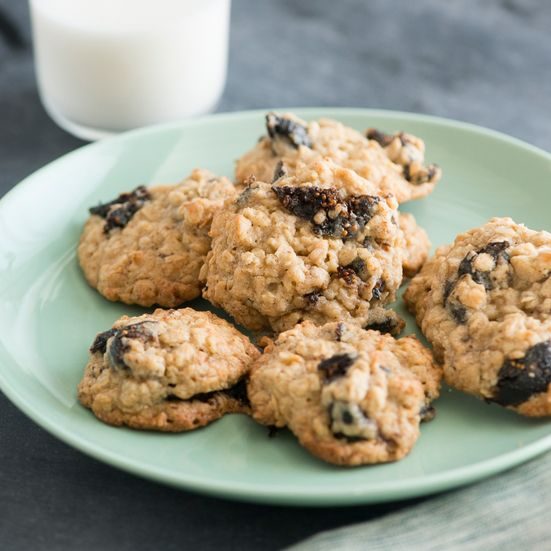 Oatmeal Cookies with Dried Figs Recipe - Todd Porter and Diane Cu | Food&Wine