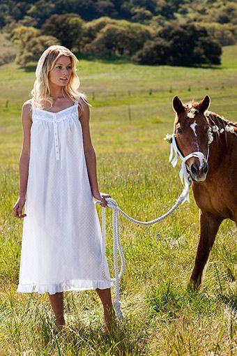 Eline West night gown