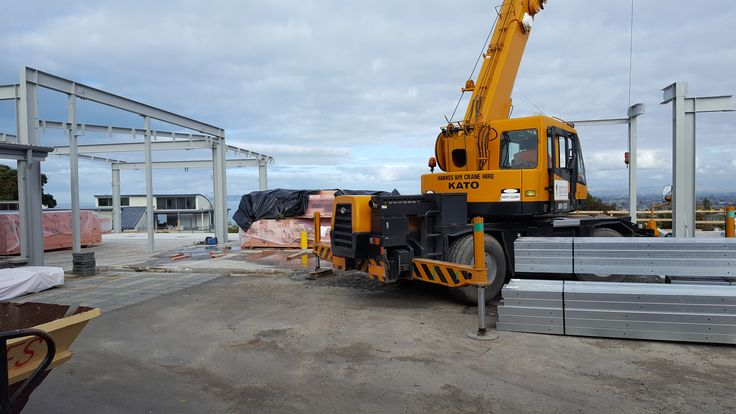 Up go the steel frames, as construction of the new Arthur Block at Napier Girls High makes great progress!