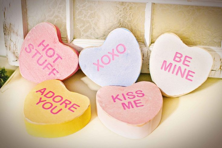 diy Photo props for v day (or couple shoots in general)
