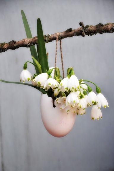 Groen wonen | Paas decoratie met bloemen - Stijlvol Styling woonblog www.stijlvolstyling.com