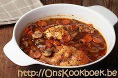 Konijn klaarmaken doe je makkelijk met dit recept zodat je met een minimum aan werk zal genieten van heerlijk gestoofd konijn en een saus om je vingers van af te likken.