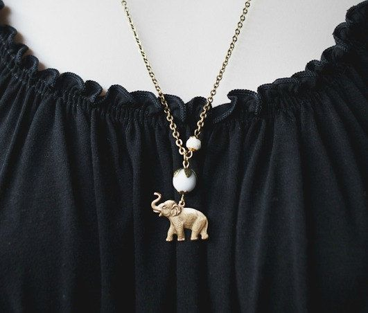 Collar elefante encanto de latón perlas de vidrio por botanicalbird