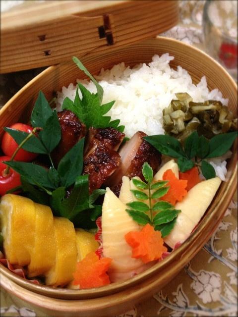 Twitter from @Izumi Tone Tone Tone Kumasaka ■2013.6月20日のお弁当 鶏肉の醤油麹焼、孟宗竹と人参の京風煮、玉子焼き、胡瓜の古漬け、さくらんぼ♡ #obento #obentoart