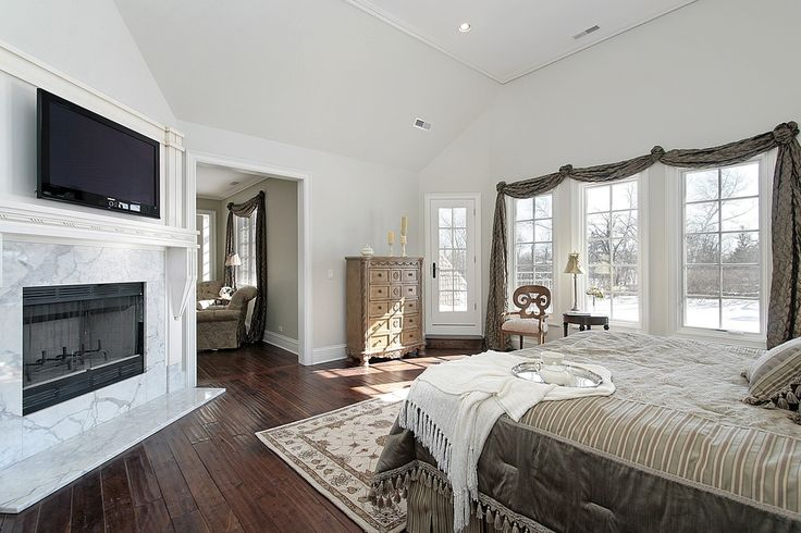 75 Impressive Master Bedrooms With Fireplaces Photo