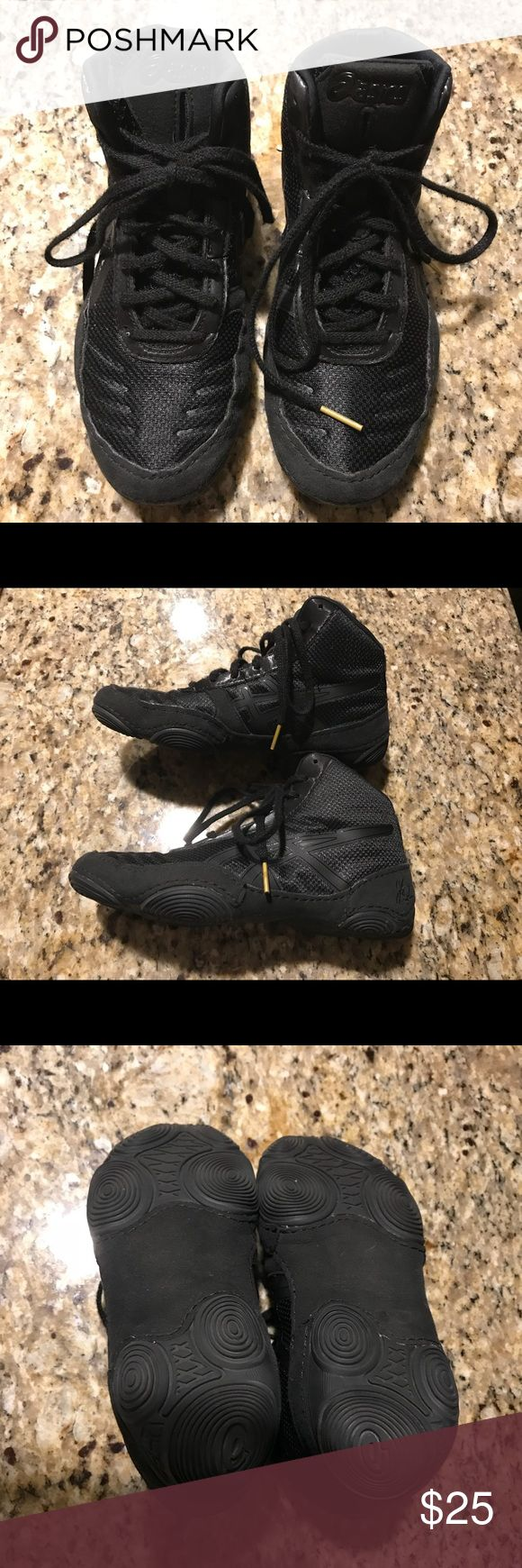 Youth Wrestling Shoes Only worn a few times, look brand new. My son grew out of them before he could really use. They were Top of the line shoes. Asics Shoes Sneakers