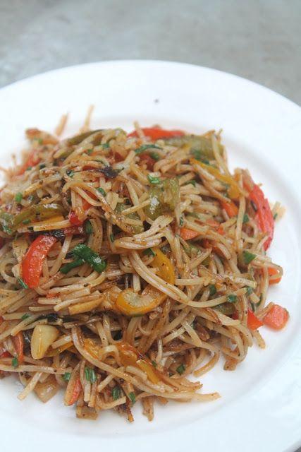 YUMMY TUMMY: Vegetable Noodles Recipe - Veg Noodles Recipe - Indo Chinese Recipe