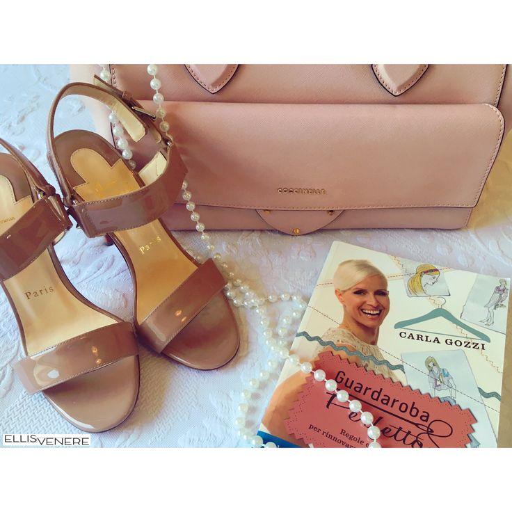 Lo stile non va mai in vacanza! Pensando già al guardaroba del rientro! #guardarobaperfetto @carlagozzi #book @louboutinworld @coccinelleofficial #influencer #musthave #colornude #glam #fashionstyle #blogger #influencer #pickoftheday #igers