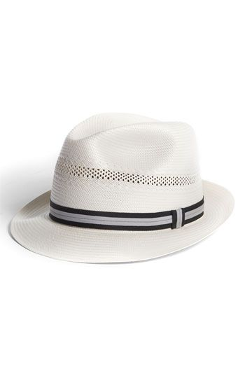 €105, Weißer und schwarzer Hut von Biltmore Hats. Online-Shop: Nordstrom. Klicken Sie hier für mehr Informationen: https://lookastic.com/men/shop_items/67457/redirect