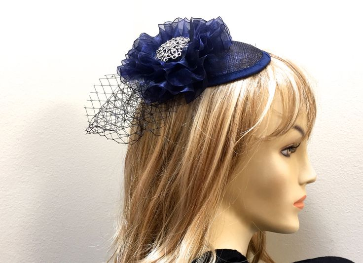 Mother Of The Bride Hats For Short Hair: Best 25+ Navy Fascinator Ideas On Pinterest