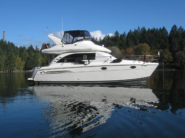 Calibre Yacht Sales : Vancouver based boat brokerage. We sell used powerboats, sailboats, trawlers, Bayliners, Camanos and more. : 2003 Meridian Flybridge for sale BC CA