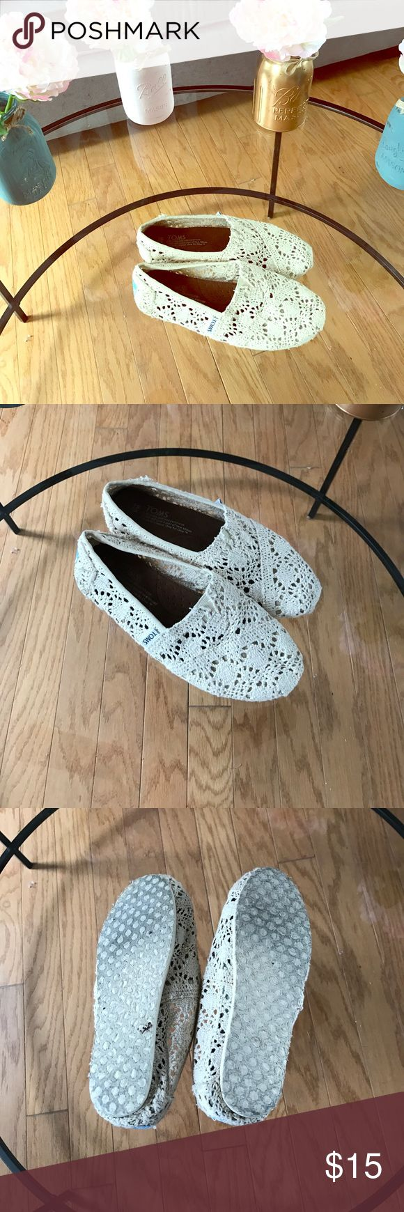 Toms crocheted shoes Some loose strings but that's part of the look. TOMS Shoes Flats & Loafers