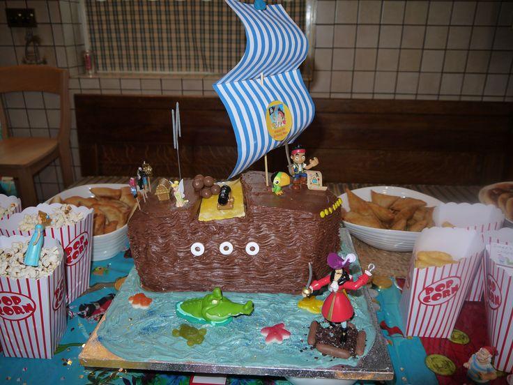Pirate Peter Pan cake