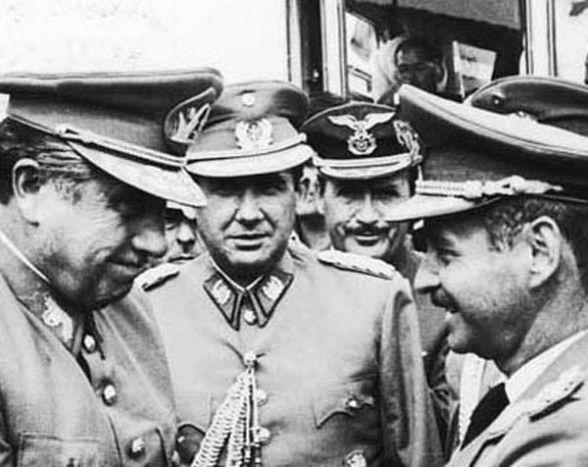 COORDINACIÓN. Los dictadores Pinochet y Banzer en 1974 en Charaña. - Redaccion central La Prensa