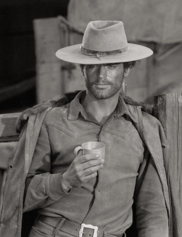 Terence Hill                                                                                                                                                                                 Plus