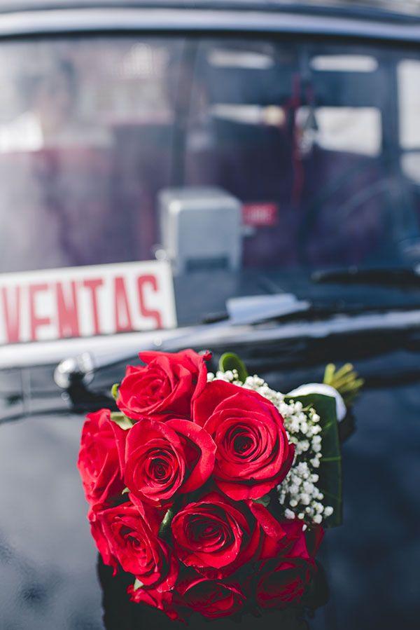 Ramo de novia de rosas rojas © Foto Pepa Málaga