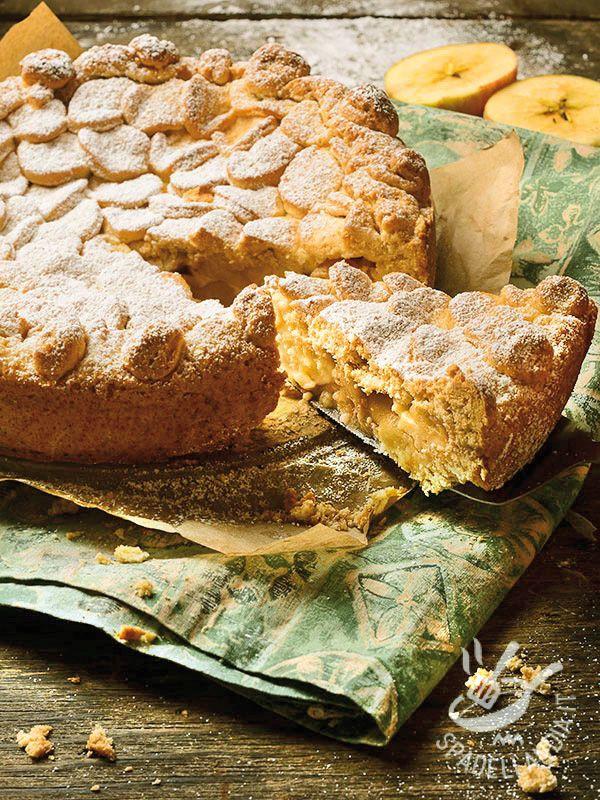 Grandmother's cake with bananas - Ecco la Torta della nonna alle banane: uno dei dolci più classici con una crema arricchita da cremose banane. Piacerà a tutti, soprattutto ai bambini! #tortadellanonna #tortaallebanane