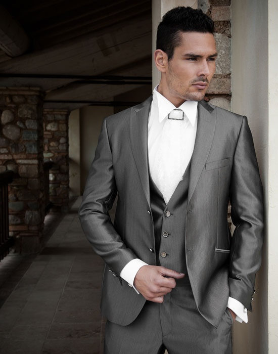 Custom Made Groom Tuxedo Peak 2014 Dark Gray Hot New Fashion Bridegroom Wedding Groomsman Dress Men SuitsJacket Pants Tie Vest