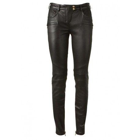 Кожаные штаны ручной работы с отделкой  SitriX. Черные кожаные стрейчевые брюки на поясе. С декоративными швами на коленях и отделочными строчками на передих и задних карманах, коленях, кокетке.