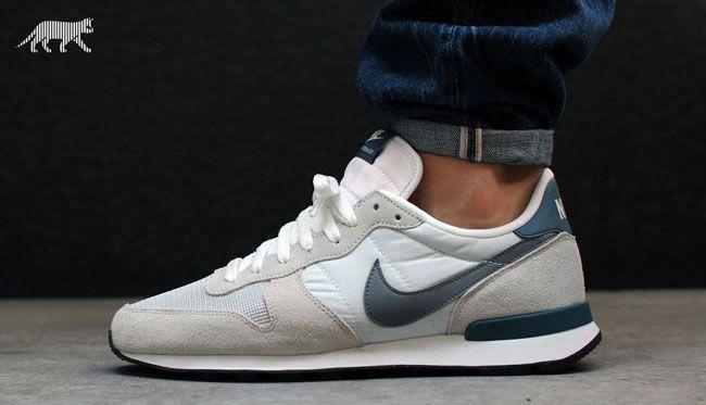 Nike Internationalist Light Base Grey / Cool Grey