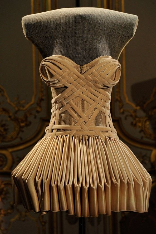 House of Worth Autumn/Winter 2011-12 Couture
