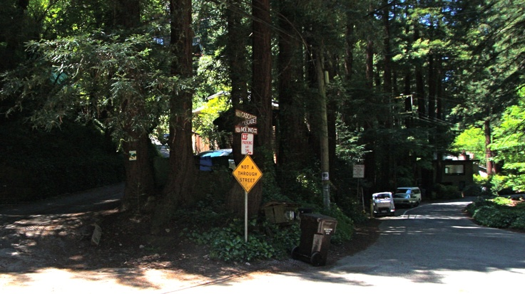 "Take Malino - a ""Not a through street"" to start the Dipsea steps."